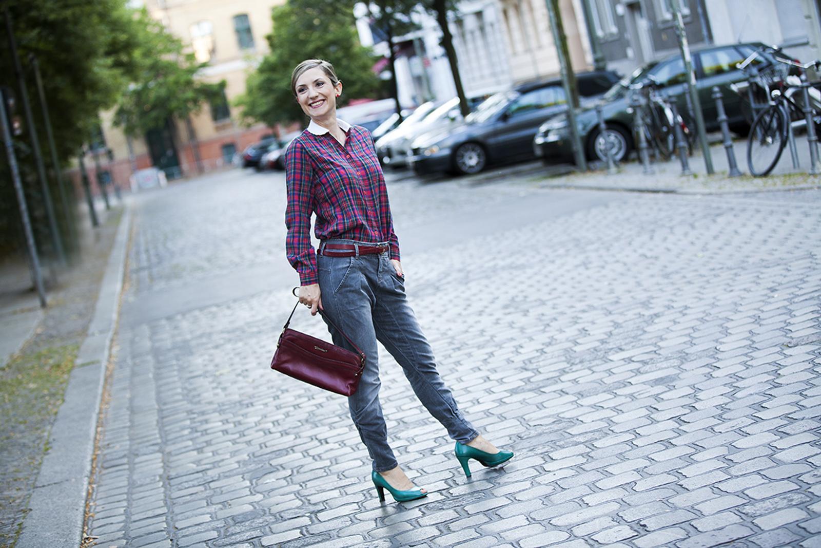 Foto Outfit Freizeit Karomuster Farbberatung Stilberatung Maja Schmidt Berlin