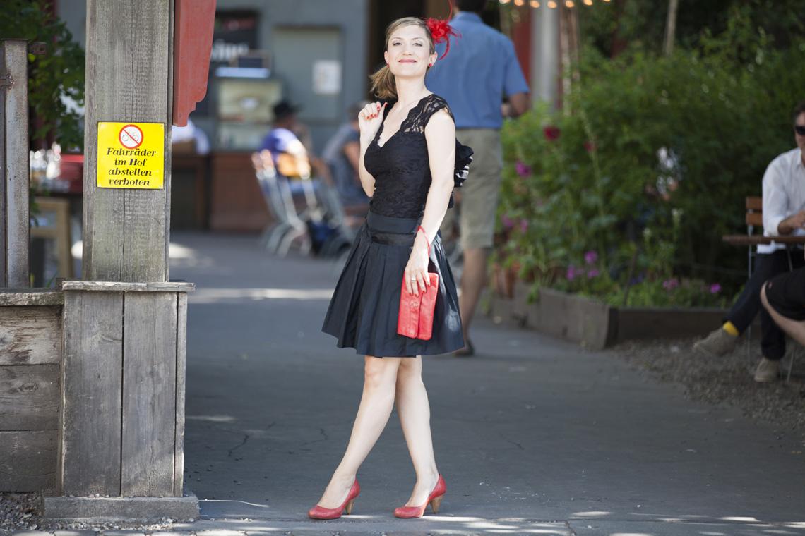 Foto Outfit festliche Anlässe Schwarze Spitze Farbberatung Stilberatung Berlin