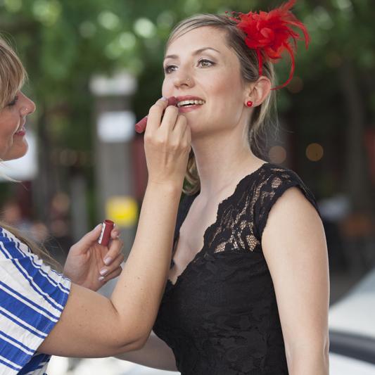 Outfit Ausgehen festliche Anlässe Spitze schwarz Farbberatung Stilberatung Berlin
